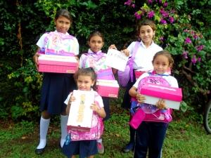 2016-09-chicas-colegio-la-esperanza